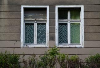zweifenstermithecke